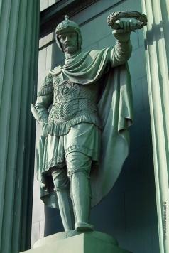Демут-Малиновский В. И. Фигура древнерусского воина