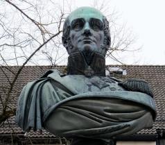 Демут-Малиновский В. И. Памятник Барклаю де Толли