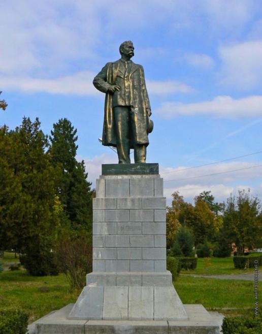 Мухина В. И. Памятник Максиму Горькому