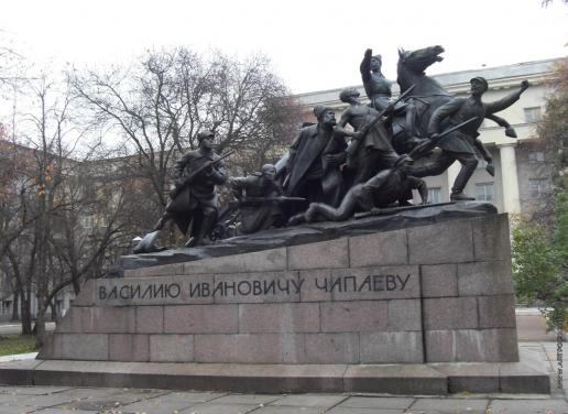 Манизер М. Г. Памятник Чапаеву
