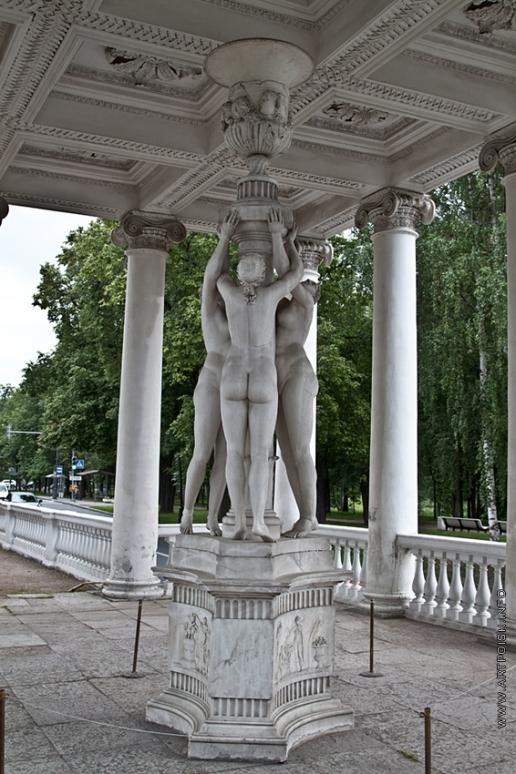 Камерон К. К. Скульптура павильона «Три грации»