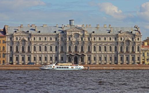 Штакеншнейдер А. И. Ново-Михайловский дворец на Дворцовой набережной (Санкт-Петербург)