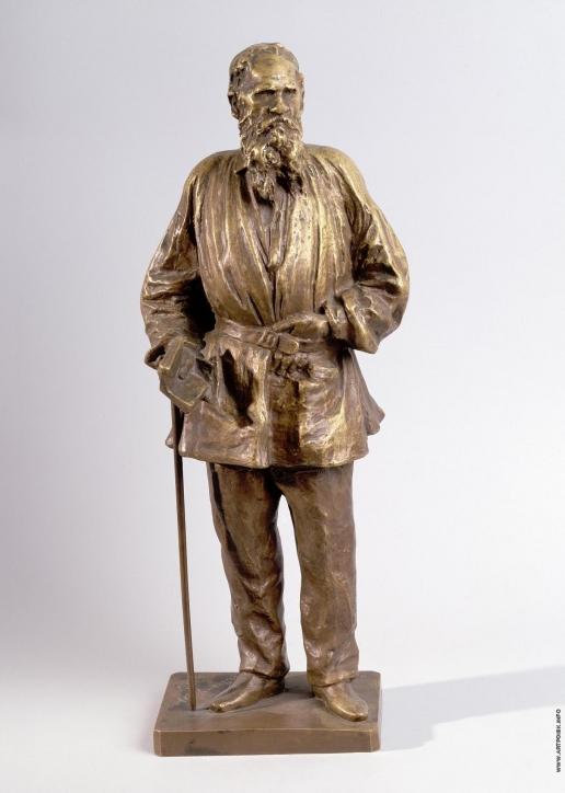 Гинцбург И. Я. Л.Н. Толстой на прогулке