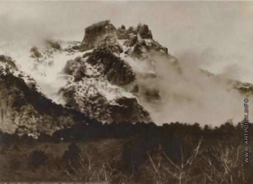 Сокорнов В. Н. Ай-Петри в облаках. (Вид из алупки)