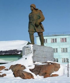 Абдрахимов А. Х. Памятник полярному исследователю Н.А. Бегичеву
